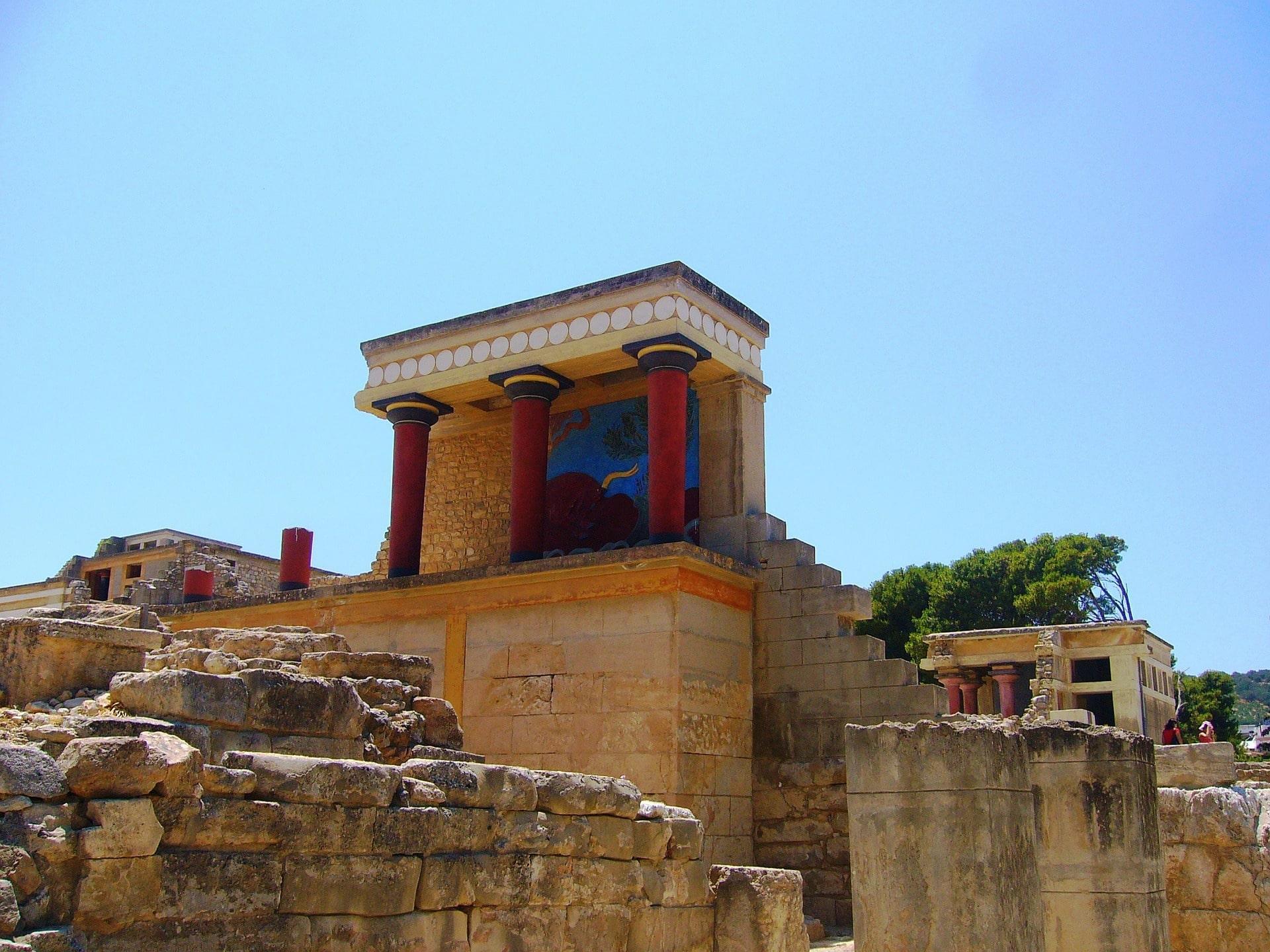 knossos palace visit