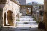 Knossos_Street_WithPithari_CreteBay